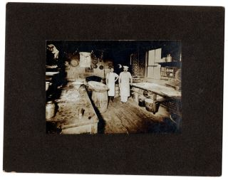 [A pair of photos of enterprising Lithuanian immigrants in Waterbury, Connecticut.]